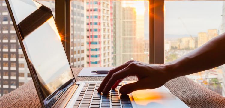 Como ampliar a presença digital do seu negócio no segmento católico?