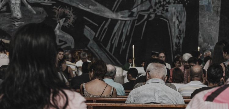 Saiba Porque Evitar  Usar Roupa Curta na Igreja