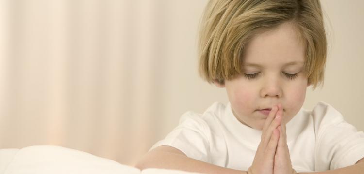 A importância de fomentar a fé nas crianças
