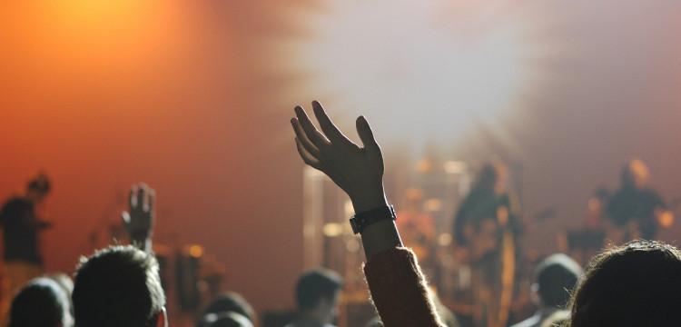 Como Aprender a Cantar Músicas Católicas de Adoração?