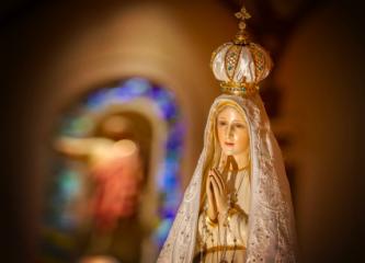 Maria, modelo de mãe e mulher