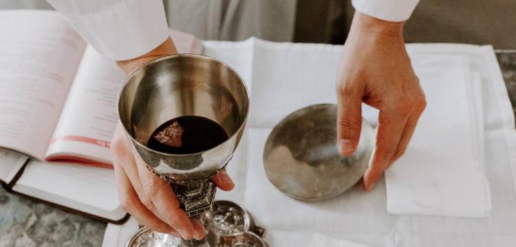 O Que É Santa Missa e Qual a Sua Importância